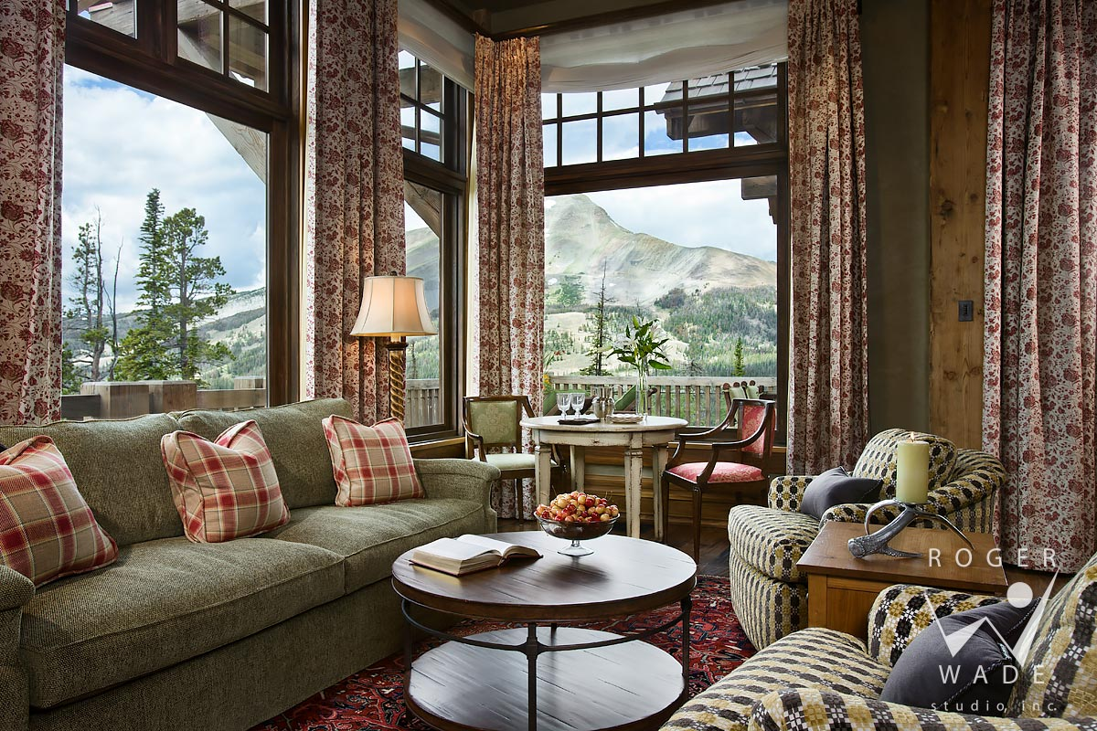 traditional mountain architectural photography, family room looking out windows to mountain view, yellowstone club, mt